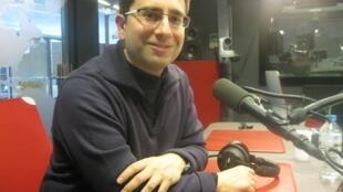 Héctor Parra en nuestros estudios de Issy-les-Moulineaux.