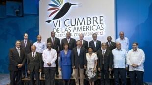La photo de famille des dirigeants politiques au 6e sommet des Amériques, à Carthagène en Colombie, le 15 avril 2012.
