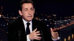 Nicolas Sarkozy a annoncé sa candidature à l'élection présidentielle dans le journal de TF1, mercredi 15 février 2012.