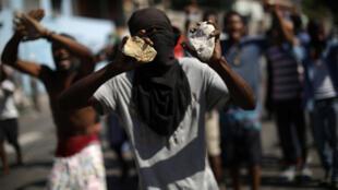 Des manifestants à Port-au-Prince (Haïti), lors de la deuxième journée de grève générale, le 20 novembre 2018.