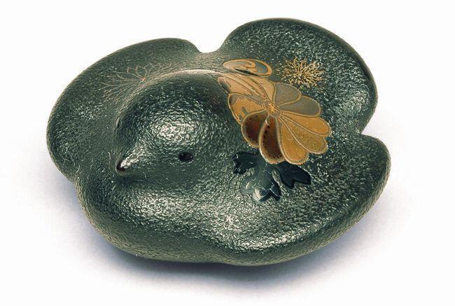 柴田是真對漆藝製作出青銅器的視覺效果