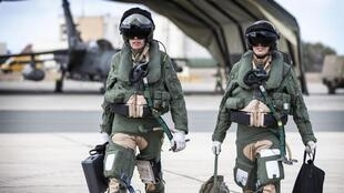 英國狂風戰鬥機飛行員在伊拉克執行完任務之後返回塞浦路斯空軍基地