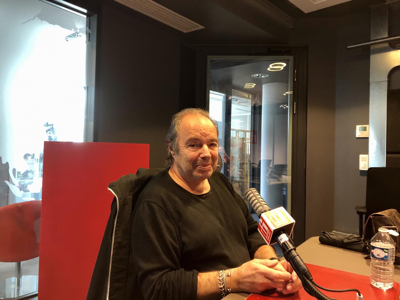 L'écrivain français Philippe Djian en studio à RFI (octobre 2020).