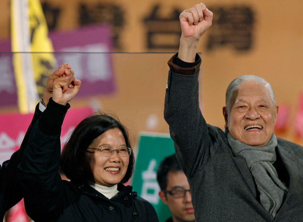 台湾总统蔡英文与前总统李登辉资料图片