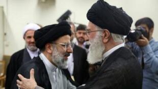 ابراهیم رئیسی با حکم آیتالله علی خامنهای به ریاست قوۀ قضائیه جمهوری اسلامی ایران منصوب شده است