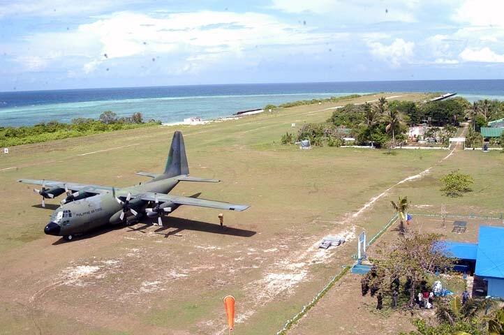 Máy bay vận tải quân đội Philippines trên đảo Thị Tứ, Trường Sa
