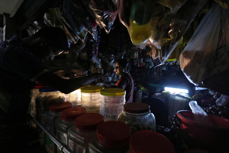 2020-10-12 INDIA MUMBAI power blackout electricity