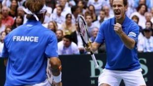 Hai tay vợt Pháp Michael Llodra và Arnaud Clement