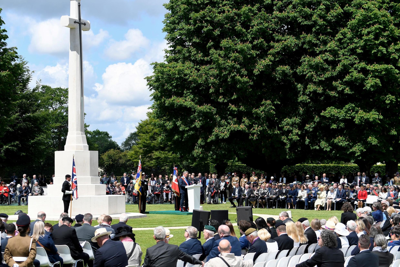 Памятник британским солдатам, пропавшим без вести в битве за Нормандию. Байё, 6 июня 2019