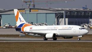 Plusieurs compagnies aériennes, comme Karthago Airlines (ici à l'aéroport de Stuttgart), ont été rachetées ou offertes dans des conditions douteuses.