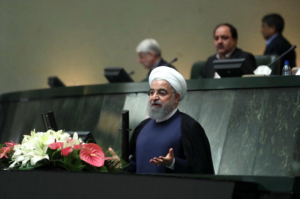 حسن روحانی رئیس جمهوری ایران، در جلسه رأی اعتماد به وزیران پیشنهادی کابینه دوازدهم در مجلس شورای اسلامی. یکشنبه ۲۹ مرداد / ۲۰ اوت ٢٠۱٧