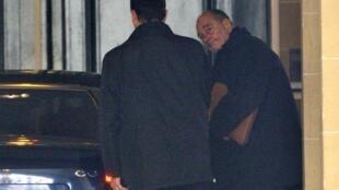 Jacques Chirac sort de son bureau parisien, le 8 mars 2011.
