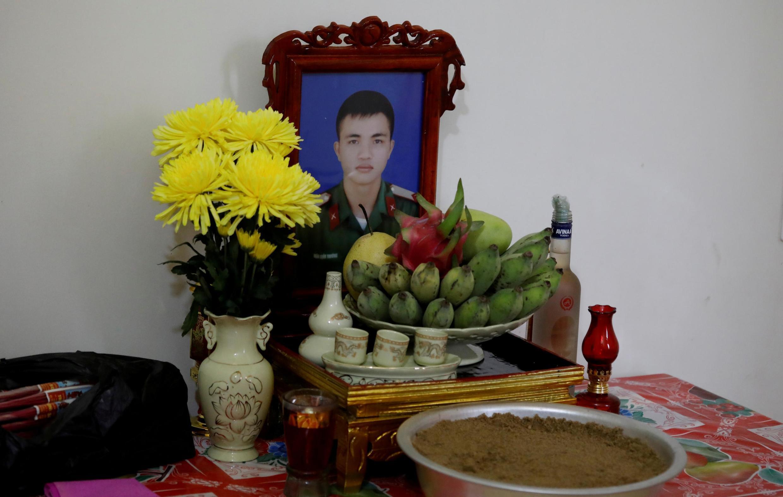 Di ảnh anh Nguyễn Đình Tứ, mà gia đình tại Nghệ An, Việt Nam tin rằng nằm trong số 39 nạn nhân trên chiếc xe tải định mệnh ở Anh. Ảnh chụp ngày 26/10/2019.