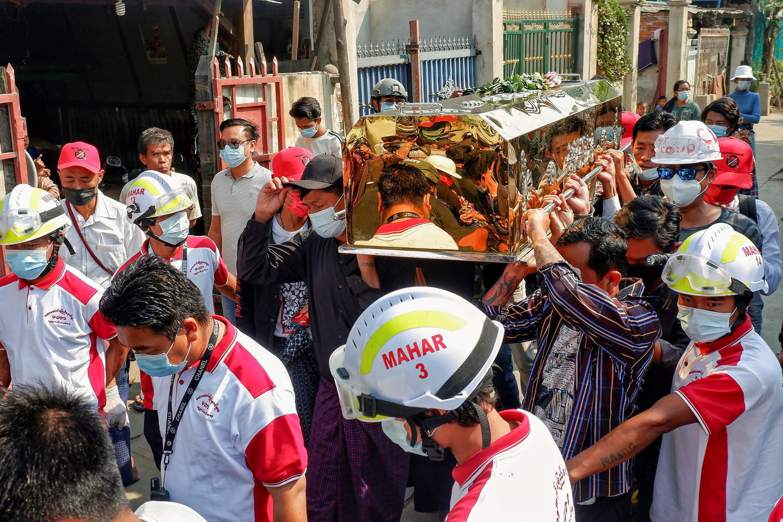 birmanie coup d'état funérailles