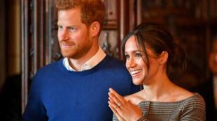 O príncipe Harry e sua noiva, a atriz Meghan Markle, durante concerto de coral no Castelo de Cardiff, em 18 de janeiro de 2018.