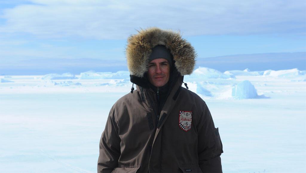 Cédric Gras est parti 3 mois en Antarctique, dans les bases russes éparpillées sur le continent blanc.