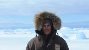 Cédric Gras est parti 3 mois en Antarctique dans les bases russes éparpillées sur le continent blanc.
