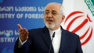 Picha kutoka maktaba ikimuonesha waziri wa mambo ya nje wa Iran, Mohammad Javad Zarif.