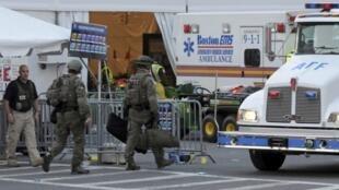 FBI assume investigação das explosões em Boston.