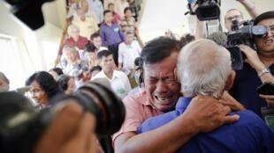 Le verdict de réclusion à perpétuité a été accueilli avec soulagement par les familles des victimes des khmers rouges, ce jeudi 7 août 2014.