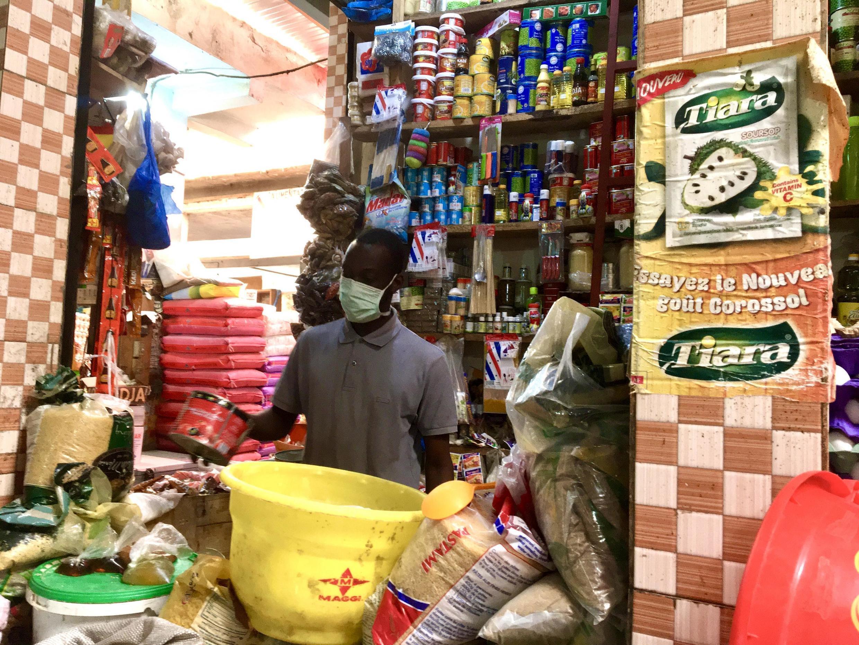 Au marché Police des Parcelles Assainies, à Dakar, les préparatifs d'un ramadan inédit.