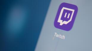 La plataforma Twitch anunció el miércoles que prohibirá a personas que hayan cometido delitos o tenido comprotamientos abusivos tanto dentro como fuera de su popular servicio de transmisión de videos en vivo
