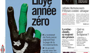 "Manchete do jornal francês Libération: ""Líbia ano zero"""