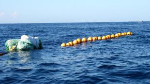 La partie flottante d'un DCP (dispositif de concentration de poissons), une nouvelle technique de pêche introduite dans le département du sud-est en Haïti en 2009.