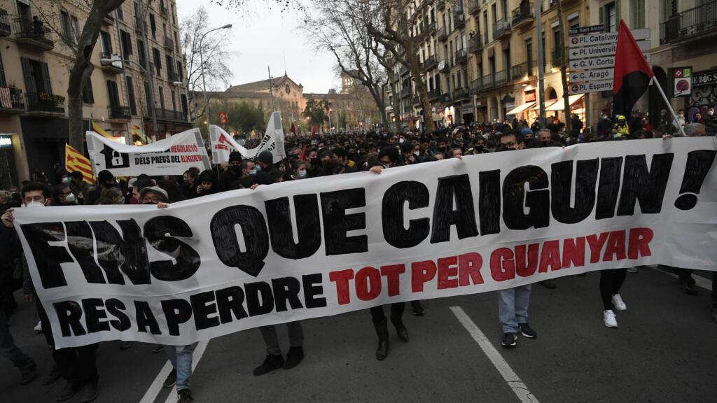 Espagne: le mouvement de soutien à Pablo Hasél prend de l'ampleur