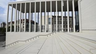 L'entrée de la galerie James Simon, un nouveau centre d'accueil situé entre le Neues Museum reconstruit et le musée de Pergame, sur l'Île aux Musées à Berlin.