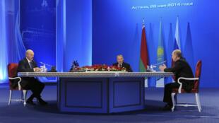 Лукашенко, Назарбаев и Путин во время переговоров о создании Евразийского экономического союза в Астане 29/05/2014