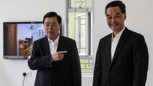 资料图片:2016年5月19日,香港特首梁振英与抵港访问的中国人大常委会委员长张德江会晤。