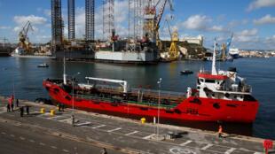 Турецкое торговое судно Elhibru1 в порту Валлетты, 28 марта 2019.