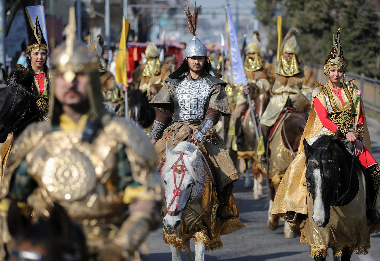 Праздничное шествие в Алматы, 21 марта 2019