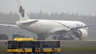 Máy bay hãng hàng không Pakistan, nghi bị cài bom, đã hạ cánh khẩn cấp xuống phi trường Stockholm (Thụy Điển) (25/09/2010)