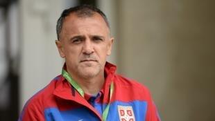 Drulovic, antigo futrebolista do Porto e do Benfica, levou os sérvios ao título europeu de sub-19 em futebol