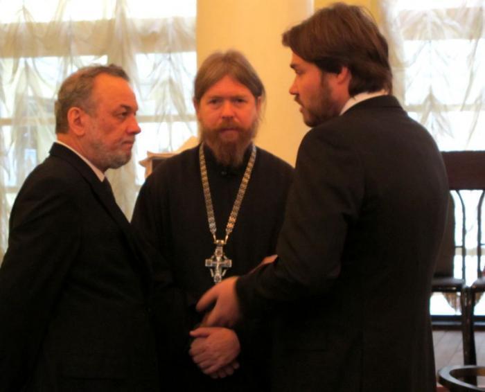 Директор фонда святителя Василия Великого Зураб Чавчавадзе (слева) и Константин Малофеев (справа).