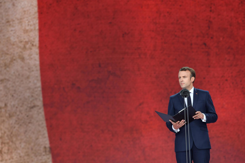 Президент Макрон выступает в Портсмуте на церемонии по случаю 75-летия высадки союзников