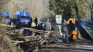 "French gendarmes take position near environmental activists at the Sivens ""zone to defend"" (ZAD)"