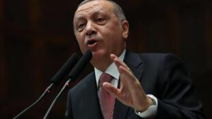 A cewar Erdogan ba za su zuba ido su na kallon 'yan uwansu Larabawa na shan wahala a Syria ba, dole ne su agaza musu.