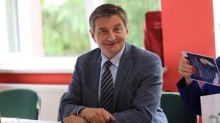 Марек Кухчиньский летал по выходным на правительственном джете со своей семьей