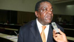 Morreu o político e académico angolano, Jaka Jamba, deputado da Unita, em Angola