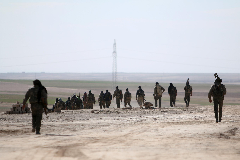 Grupo das Forças Democráticas da Síria junto de Hassaké no nordeste do país a 19 de Fevereiro.