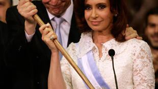 Néstor Kirchner y Cristina Fernández de Kirchner, el día en que ella asumió como presidenta.