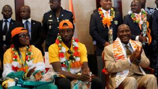 Ruth Gbagbi et Sallah Cheick Cissé, les deux médaillés de taekwondo à le retour en Côte d'Ivoire, le 27 août 2016.
