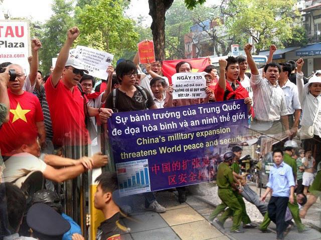 Biểu tình chống Trung Quốc xâm lấn lãnh hải, Hà Nội 17/7/2011.