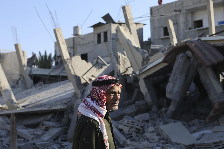 Một cảnh tượng ở Rafah sau oanh kích của Israe rạng ngày 10/08/2014.