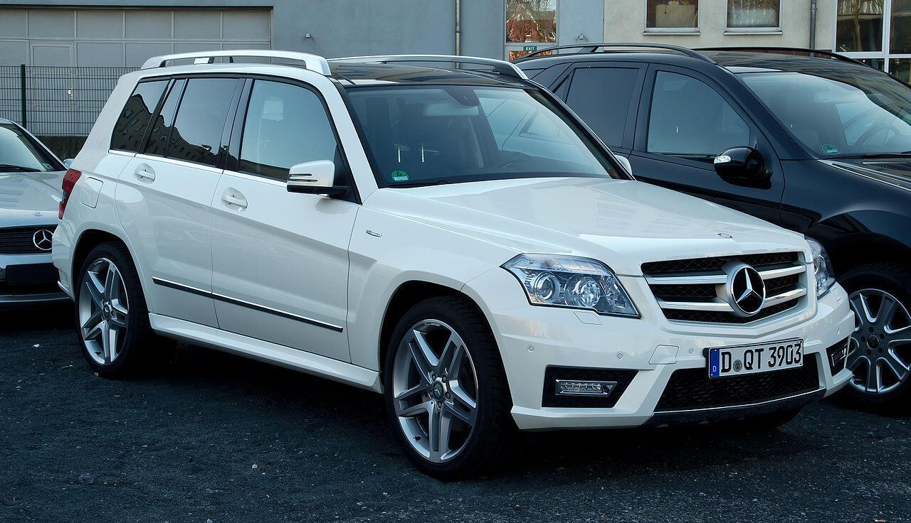 Daimler est soupçonné d'avoir embarqué des logiciels sur ses Mercedes-Benz GLK 220 CDI (photo), afin de dissimuler leurs émissions réelles de CO2.