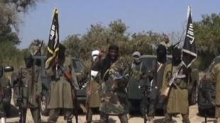 Capture d'écran de la vidéo de Boko Haram dans laquelle Aboubakar Shekau, le chef du groupe islamiste, exclut toute négociation avec le gouvernement nigérian en vue d'un cessez-le-feu.
