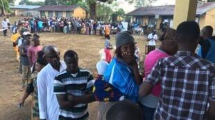 Raia wa  Sierra Leone walivyojitokeza wiki iliyopita jijini Freetown kupiga kura